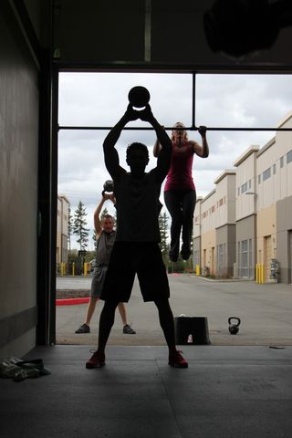 Silhouette Swing and Pull-up
